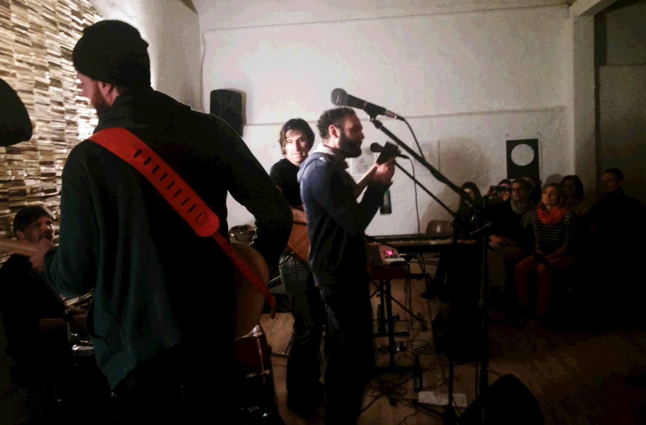 Bischler singt bei Tipps für Wilhelm